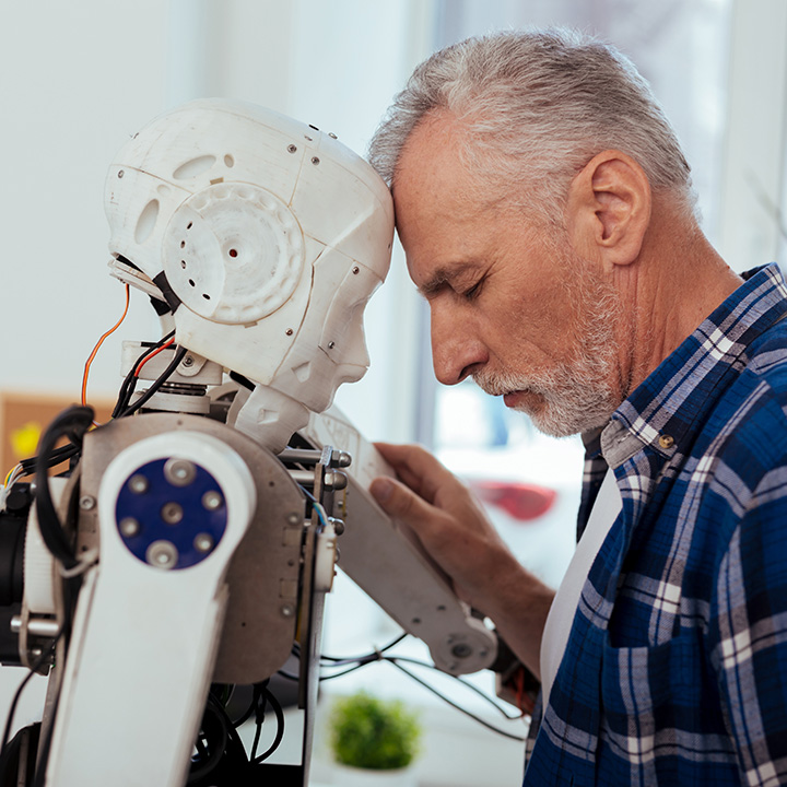 高齢者のメンタルを支えるロボットたち